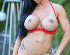El atlético cuerpo de la milf tatuada Jewels Jade (40)