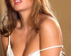 Keisha Grey y bellas tetas naturales (23)