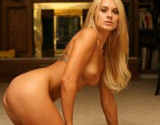 La modelo tatuada Nicole Jaimes (2)