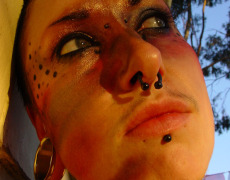 Lashes tatuada peluda en I Shot Myself (17)