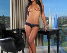 Leilani Leeane abriendo sus piernas (3)