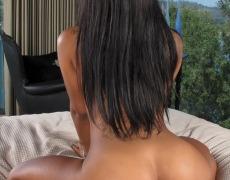 Leilani Leeane abriendo sus piernas (8)