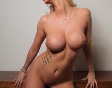 Leslie hermosa rubia tatuada de Photodromm (43)