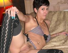 Rockera Chilena que le gusta fumar y mamar a la vez (12)