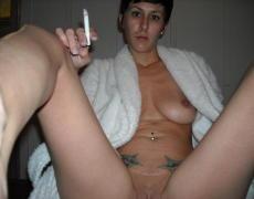 Rockera Chilena que le gusta fumar y mamar a la vez (7)