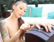 Piratta chilena con tatuajes desnuda (31)