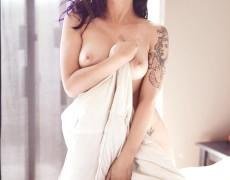 Vikat mexicana con tatuajes desnuda (30)