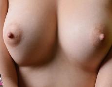 Vikat mexicana con tatuajes desnuda (49)