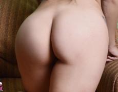 Vikat mexicana con tatuajes desnuda (64)