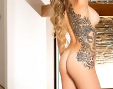 Sophia Presley Cyber Girl con tatuajes (37)