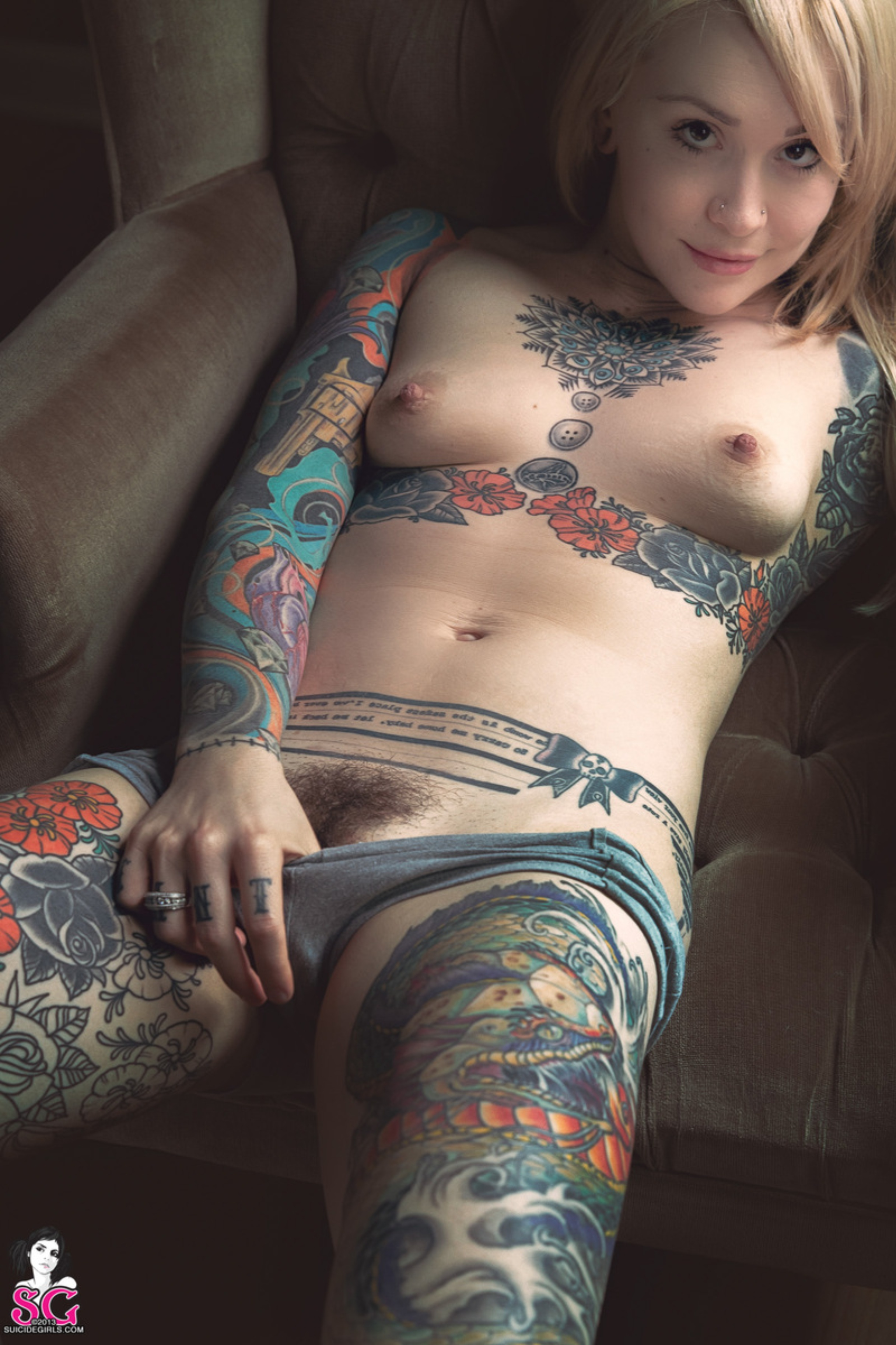 naked tattooed red girls