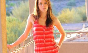 Kiera Winters y su lencería rosa