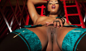Skin Diamond hermosa en Penthouse