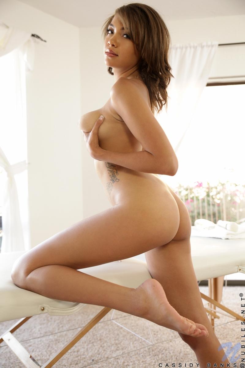 La Tetona Cassidy Banks Chicas Tatuadas En Videos Xxx Y Fotos Porno