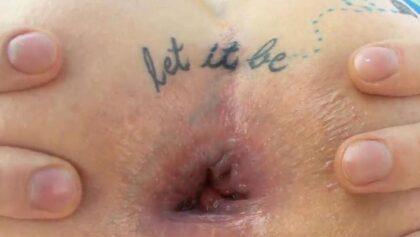 Zarrah Angel con un pollón enorme en su culo tatuado